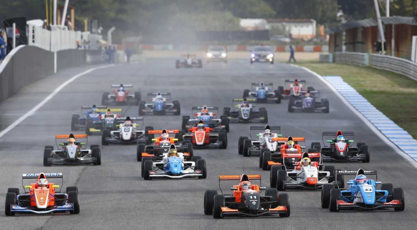 Already more than 20 drivers entered for the 2017 Formula Renault Eurocup!